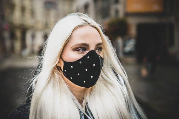 Maskné - akné z roušky